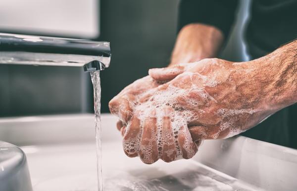 handen wassen tegen griep
